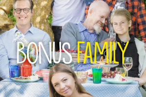 https://static.wikia.nocookie.net/netflix/images/4/44/Bonus_Family.jpg/revision/latest/scale-to-width-down/960?cb=20200811063509